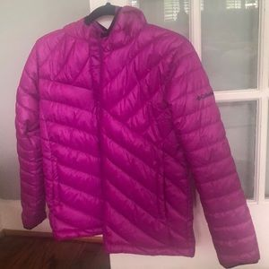 New Columbia Fuschia Jacket size 14/16 for teens.